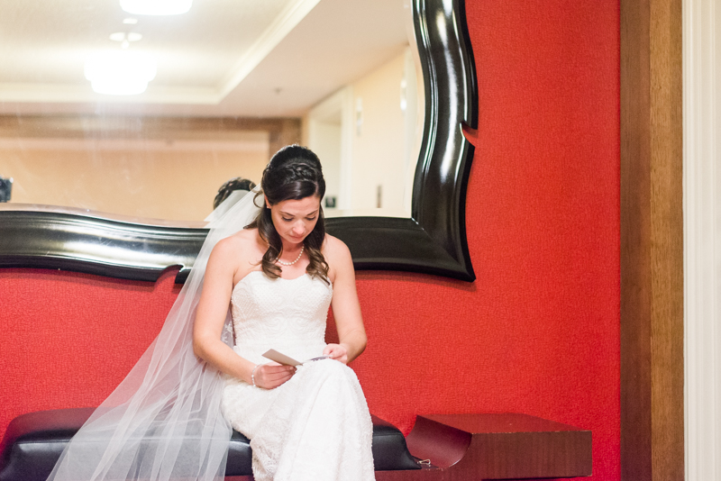wedding-photographers-in-maryland-elkridge-furnace-inn-baltimore-0023-photo