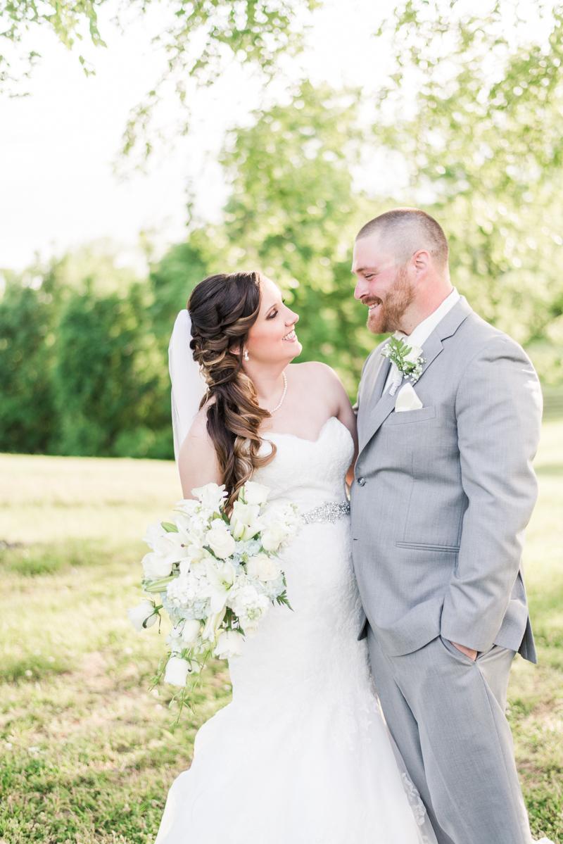 wedding photographers in maryland robin hill farm brandywine vogel flowers