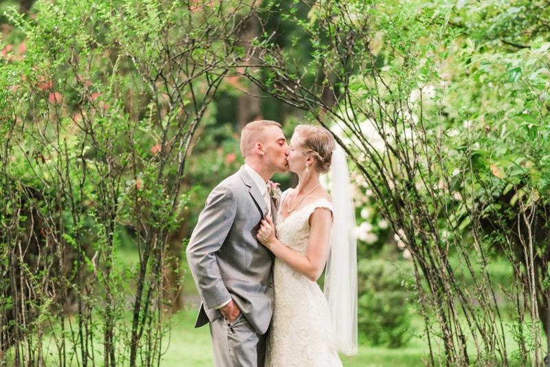 wedding photographers in maryland emory grove hotel glyndon rain day