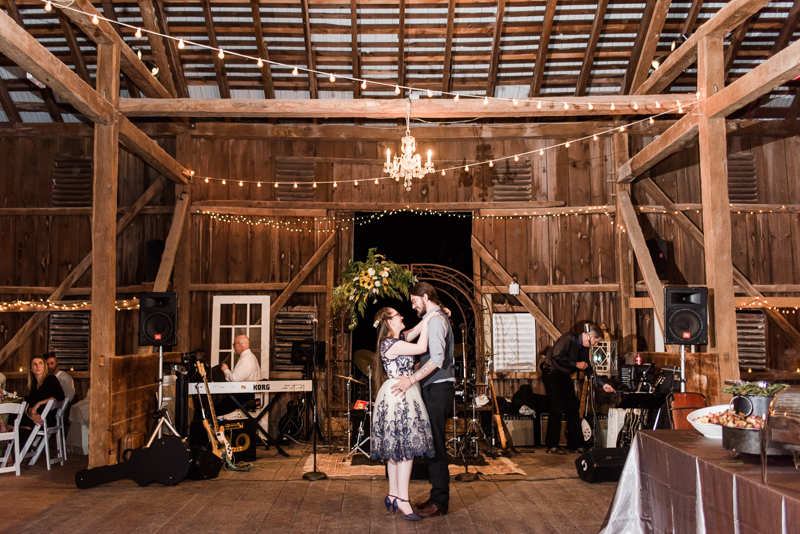Wedding Photographers In Maryland Baltimore Rocklands Farm Fall