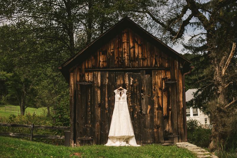 Chanteclaire Farm Wedding Photographer Friendsville Maryland Dress