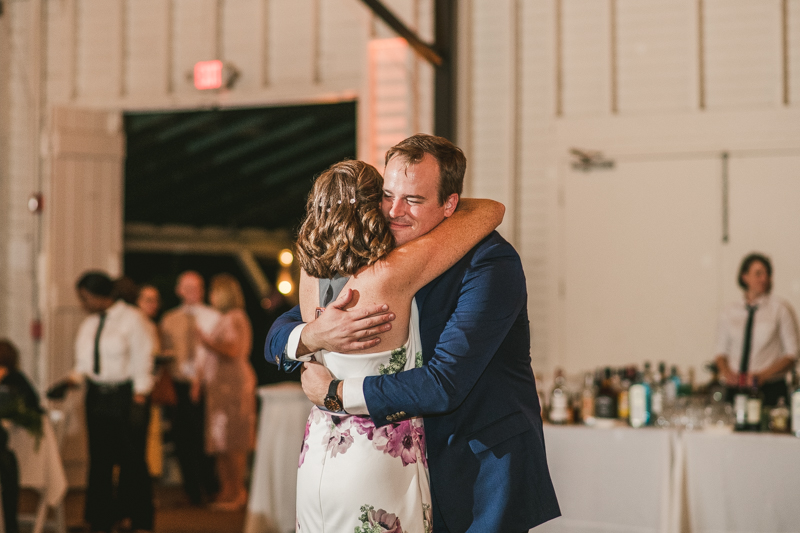 A beautiful September wedding reception at the Sherwood Forest Clubhouse in Annapolis, Maryland by Britney Clause Photography